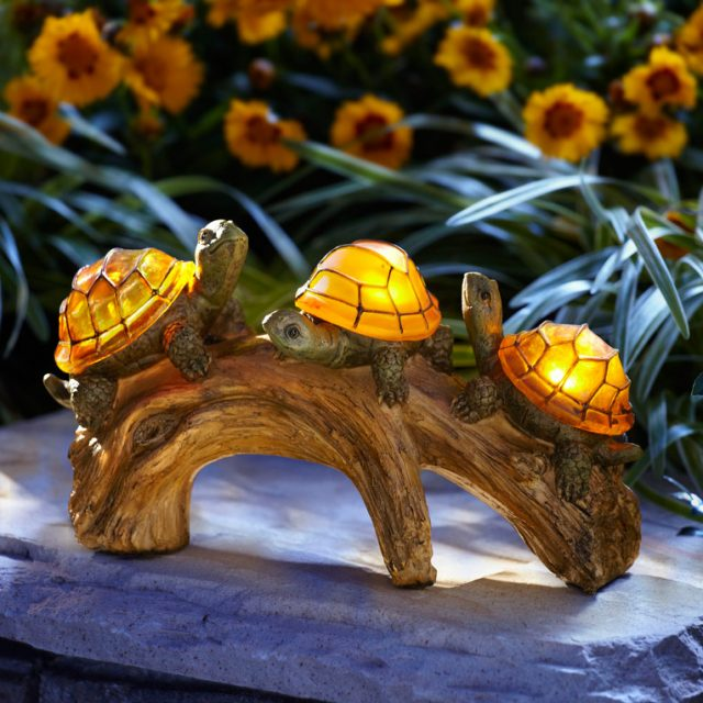 Turtles on a Log Solar-Powered Outdoor LED Light